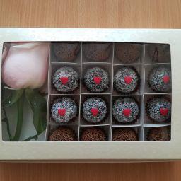 Brigaderio  s růži a srdíčky - 190 Kč